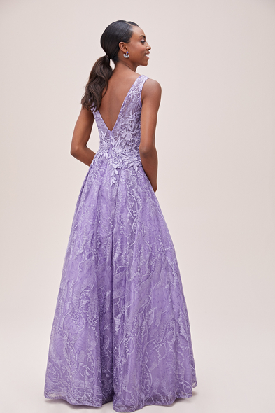 Viola Chan - Lavanta Rengi V Yaka Askılı Prenses Abiye Elbise (1)