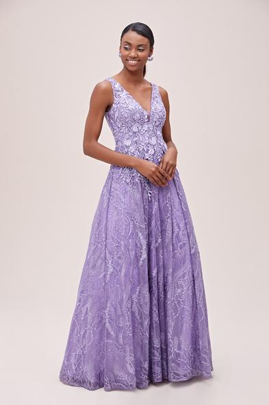 Viola Chan - Lavanta Rengi Dantel ve Pul İşlemeli Kalın Askılı Uzun Abiye Elbise