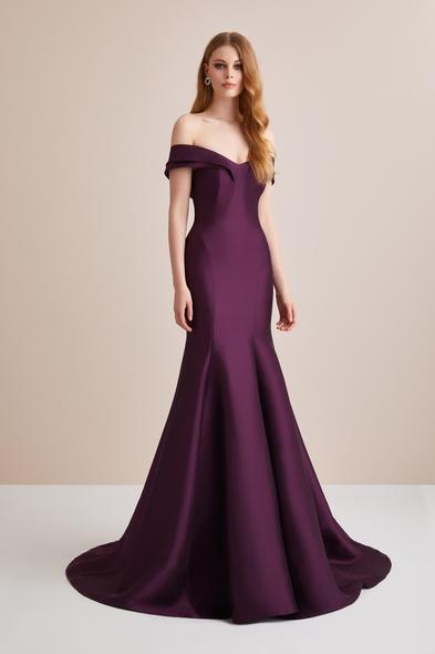 Viola Chan - Kayık Yaka Saten Uzun Abiye Elbise