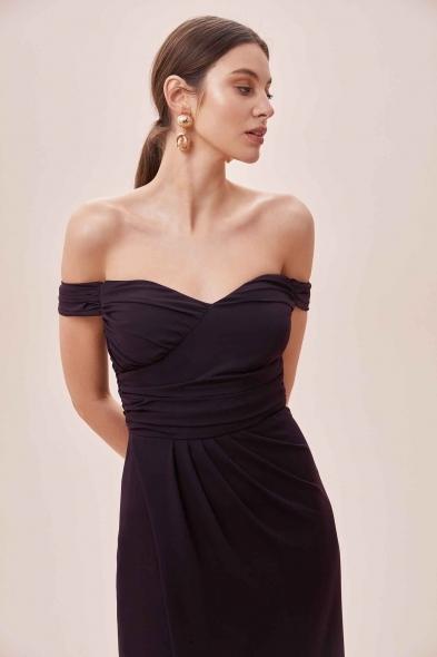 OLEG CASSINI TR - Mürdüm Rengi Düşük Omuzlu Yırtmaçlı Uzun Şifon Elbise