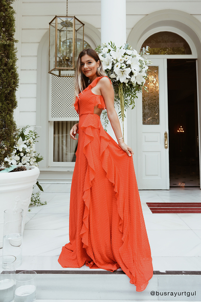 Viola Chan - Nar Kırmızısı Askılı Sırt Dekolteli Fırfırlı Şifon Abiye Elbise