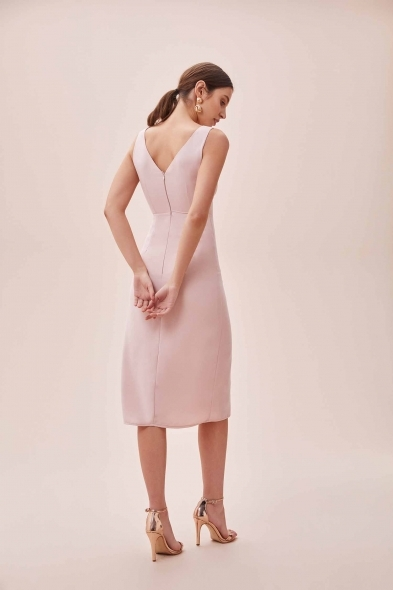 OLEG CASSINI TR - Pembe Kalın Askılı Yırtmaçlı Midi Boy Krep Elbise (1)