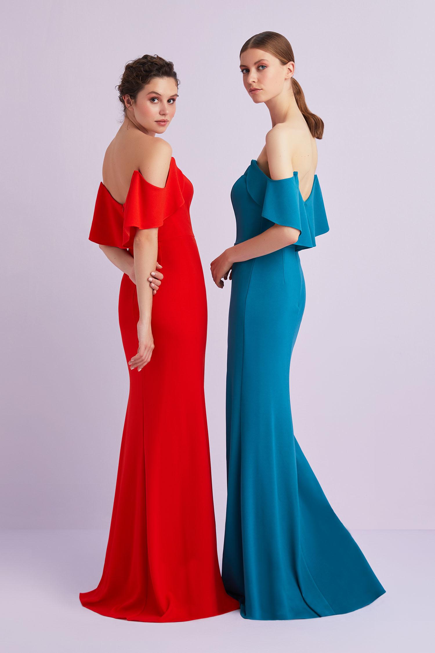 Petrol Mavisi Düşük Kol Yırtmaçlı Uzun Elbise - Thumbnail