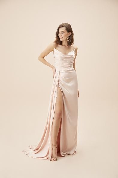 Alfa Beta - Pudra Rengi Straplez Yırtmaçlı Saten Uzun Abiye Elbise