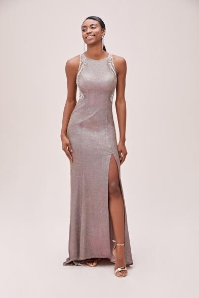 Viola Chan - Rose Gold Metalik Şifon Yırtmaçlı Uzun Abiye Elbise