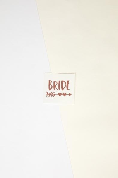 OLEG CASSINI TR - Rose Gold Yapıştırmalı Dövme Bride Yazılı Kalpli Oklu