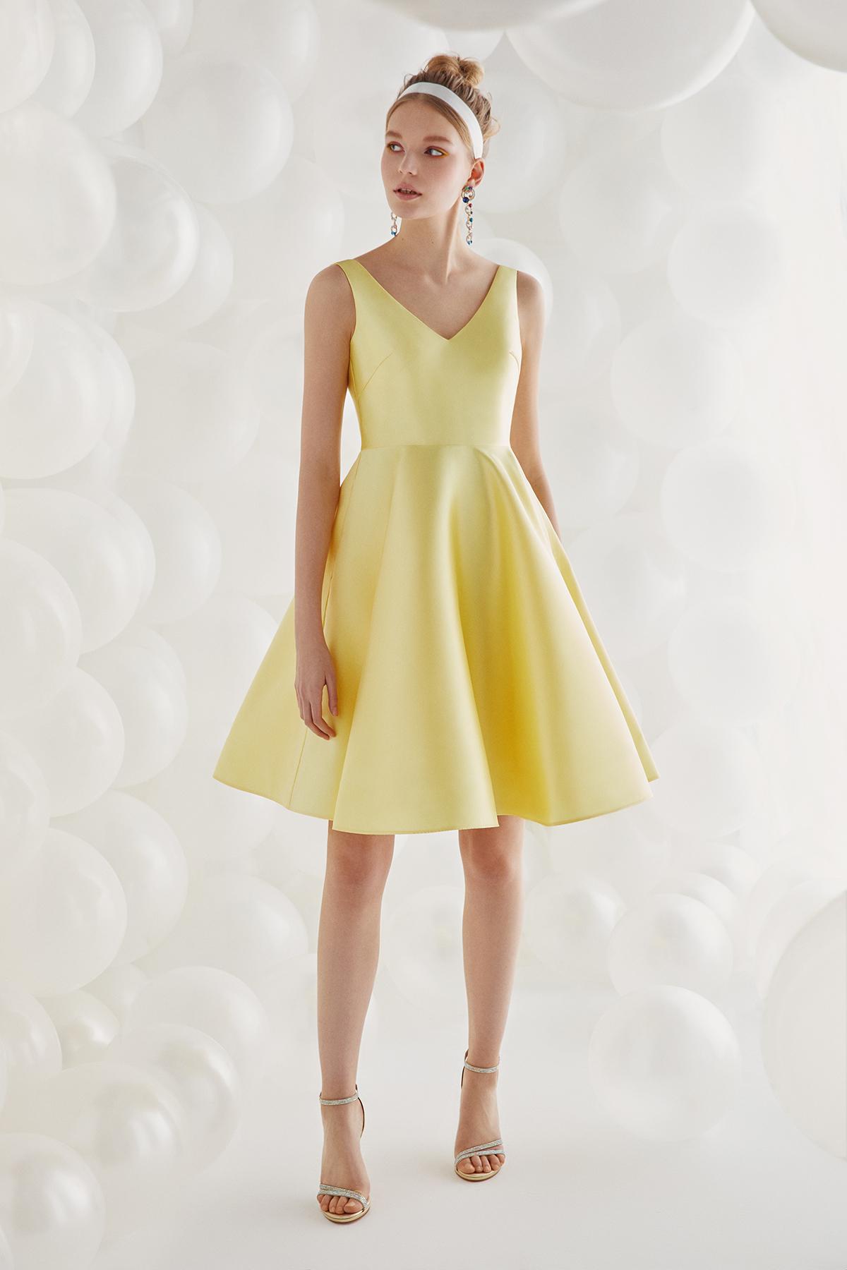 Sarı V Yakalı Kloş Etekli Kısa Abiye Elbise - Thumbnail