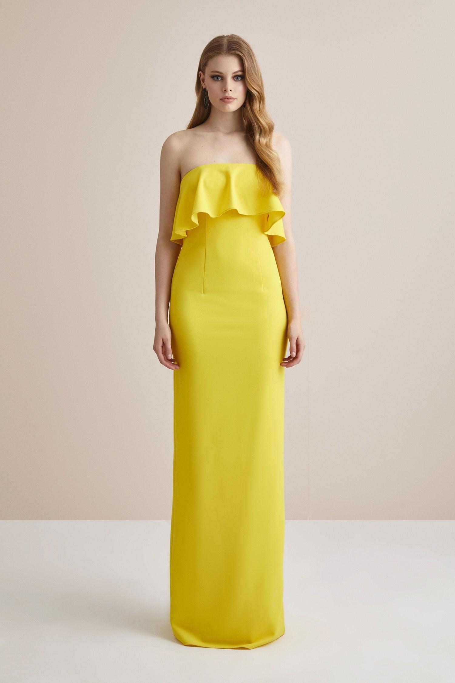 Sarı Straplez Yırtmaçlı Krep Uzun Abiye Elbise - Thumbnail