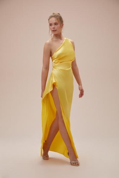 OLEG CASSINI TR - Sarı Tek Omuz Derin Yırtmaçlı Saten Elbise