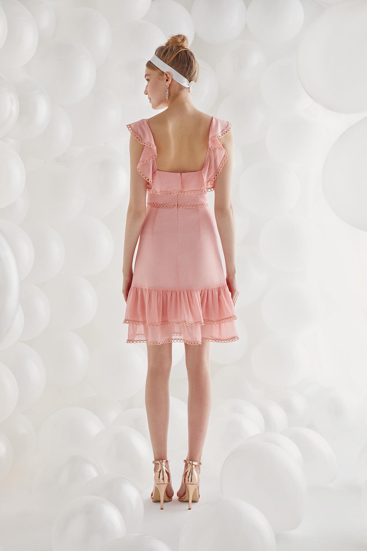 Somon Rengi Kalın Askılı Fırfırlı Şifon Diz Üstü Elbise - Thumbnail