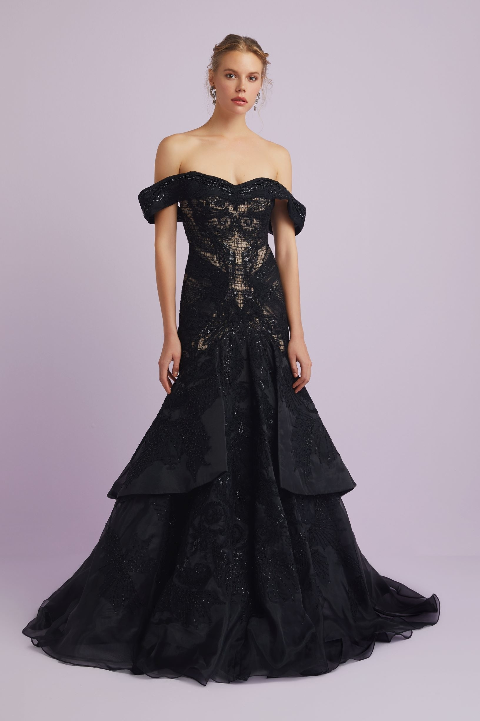 7ee3a163e80a1 Siyah Dantel İşlemeli Abiye Elbise – Oleg Cassini