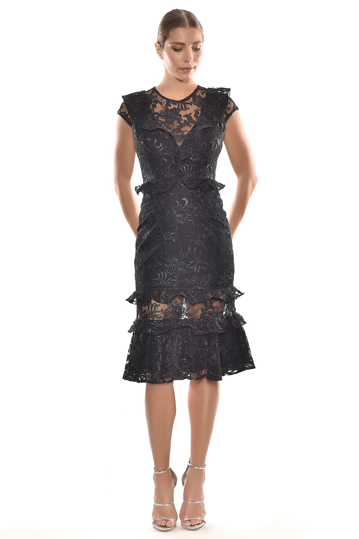 Alfa Beta - Siyah Dantel İşlemeli Kap Kol Midi Boy Elbise