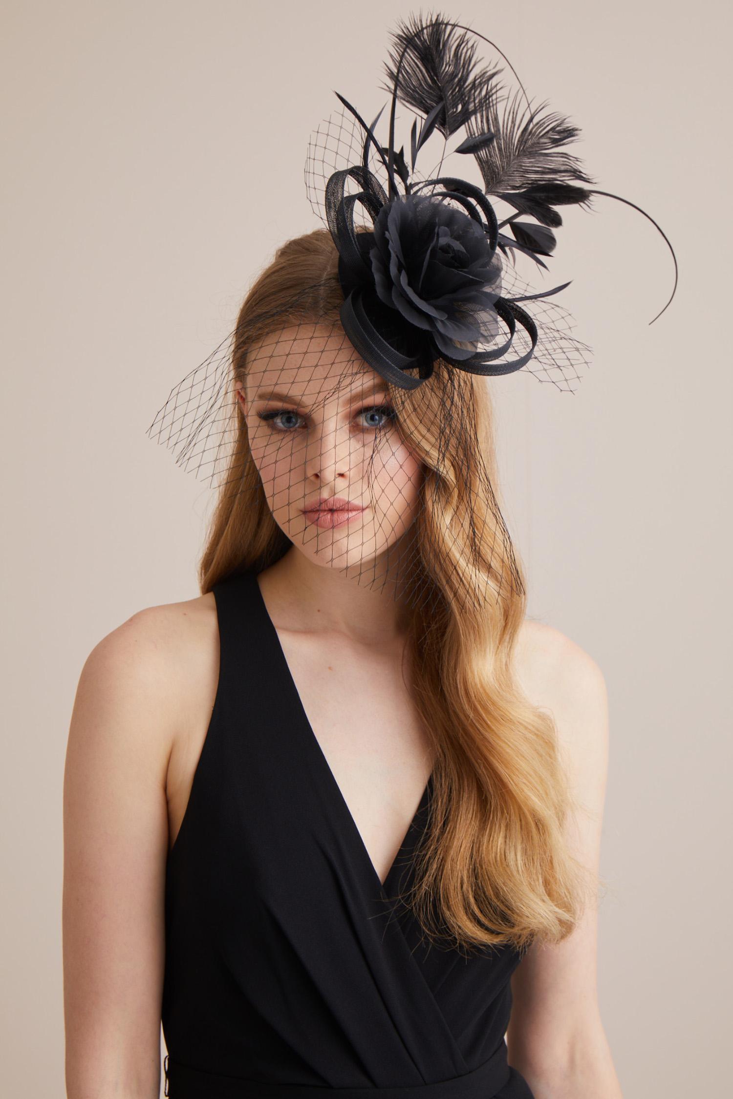 Siyah Dantelli Nikah Şapkası