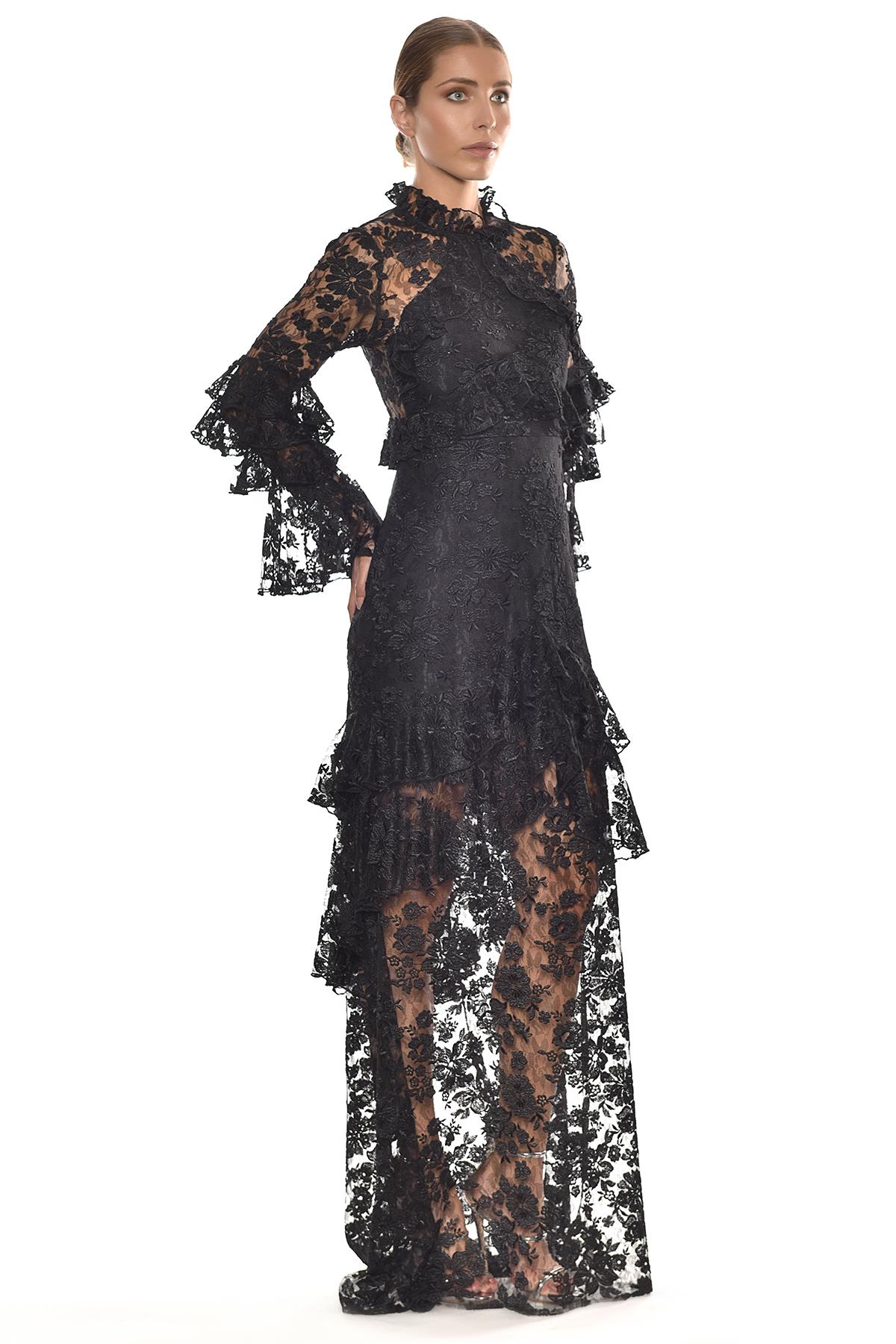 Siyah Dantel İşlemeli Uzun Kollu Dik Yaka Uzun Elbise - Thumbnail