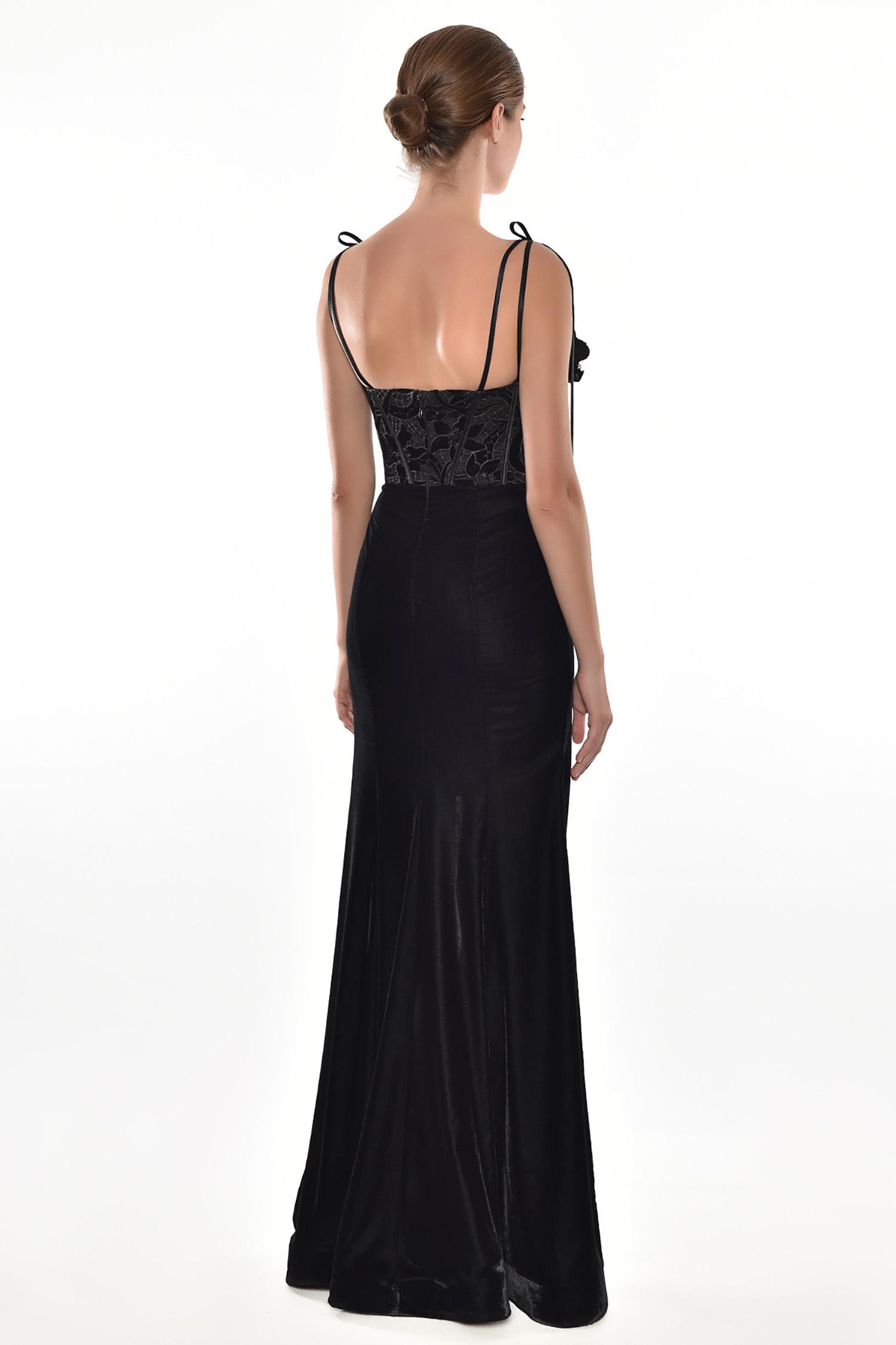 Alfa Beta - Siyah İnce Askılı Güpürlü Kadife Etekli Uzun Elbise (1)
