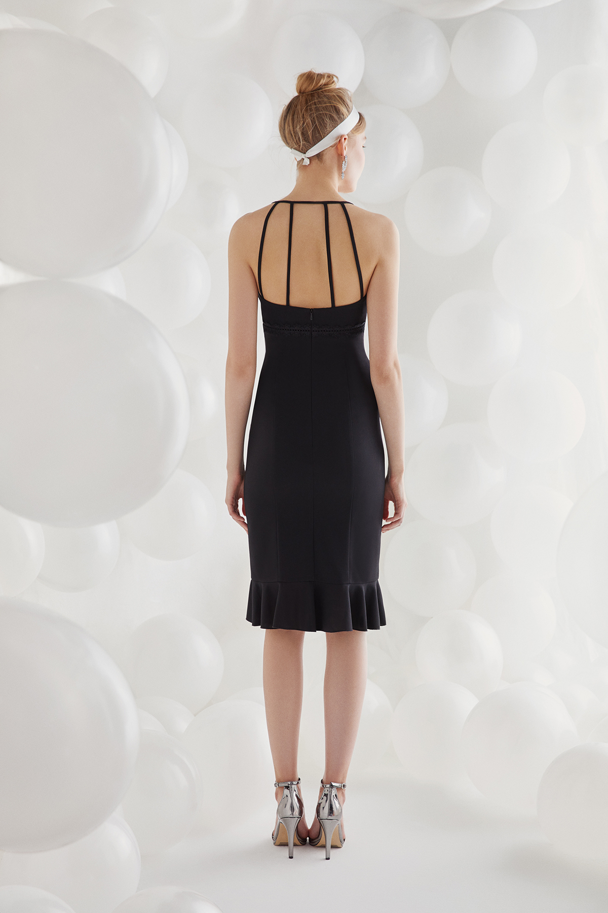 Siyah İnce Askılı Krep Kısa Elbise - Thumbnail