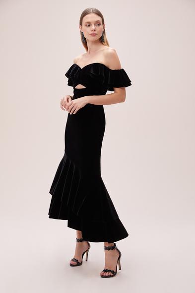 Alfa Beta - Siyah Kayık Yaka Kadife Önü Kısa Arkası Uzun Büyük Beden Elbise