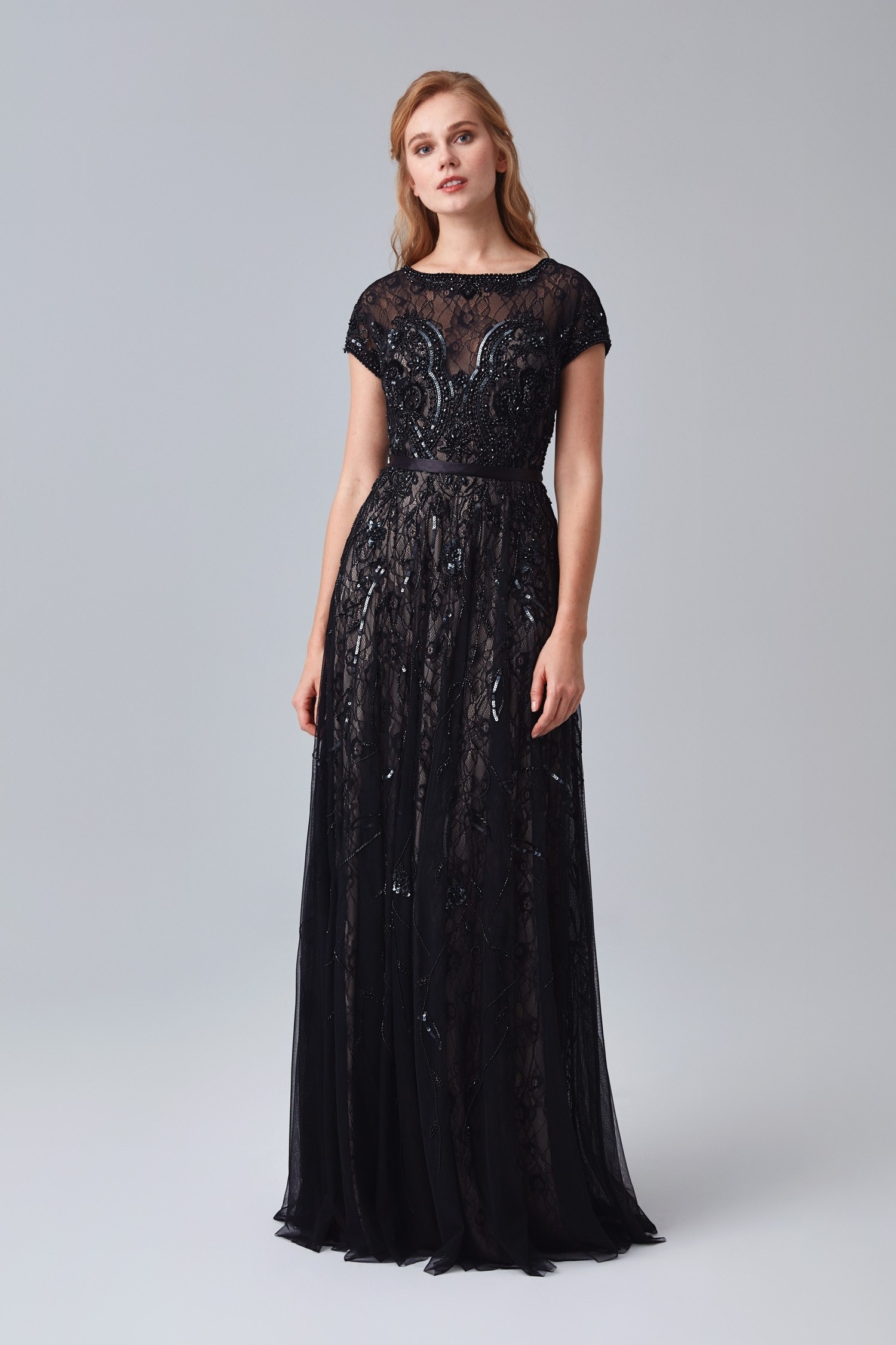 571265d94e5b6 Siyah Kısa Kollu Payetli Uzun Abiye Elbise – Oleg Cassini