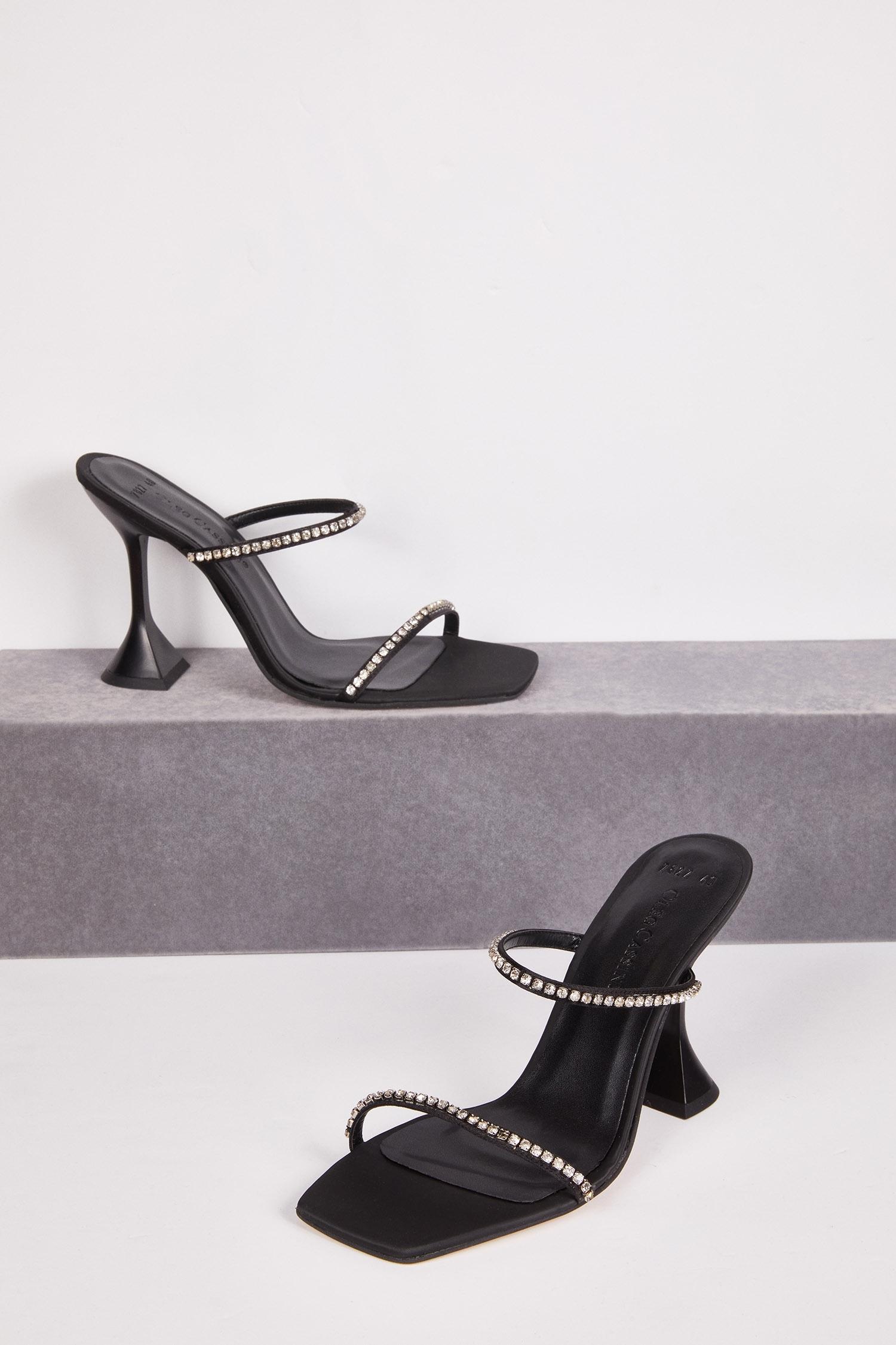 Siyah Taş İşlemeli Makara Topuk Abiye Ayakkabısı