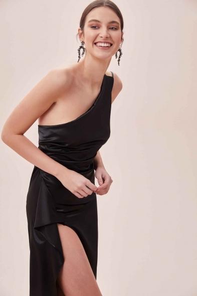 OLEG CASSINI TR - Siyah Tek Omuz Derin Yırtmaçlı Saten Elbise