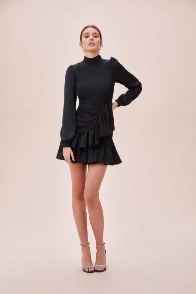 OLEG CASSINI TR - Siyah Yüksek Yaka Uzun Kollu Eteği Fırfırlı Mini Saten Elbise
