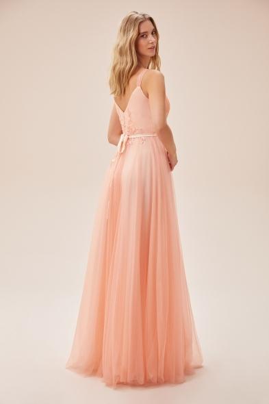 Viola Chan - Somon Rengi Askılı Dantel İşlemeli Uzun Tül Elbise (1)