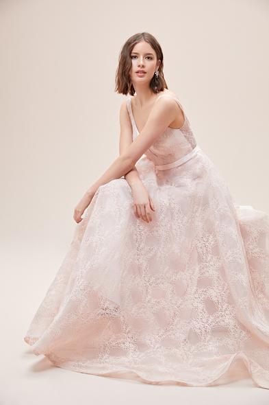 Viola Chan - Toz Pembe Askılı Sırt Dekolteli Romantik Abiye Elbise
