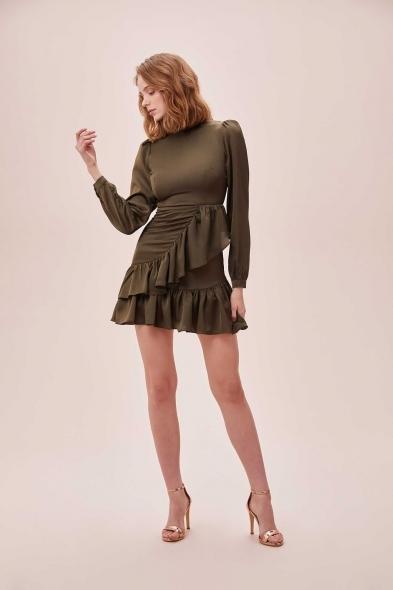 OLEG CASSINI TR - Yeşil Yüksek Yaka Uzun Kollu Eteği Fırfırlı Mini Saten Elbise