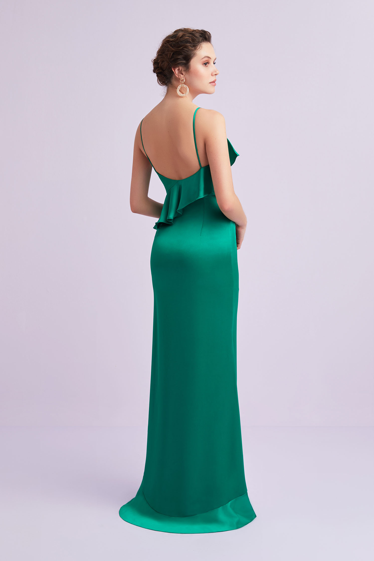 Zümrüt Yeşili İnce Askılı Fırfırlı Yırtmaçlı Saten Abiye Elbise - Thumbnail
